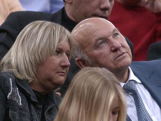Бывший мэр Москвы назвал свою супругу «суперталантливым человеком»