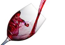 В научном журнале BMC Medicine была опубликовала работа, авторы которой пришли к выводу, что небольшое количество вина, выпиваемое ежедневно или раз в несколько дней, помогает человеку выйти из депрессии
