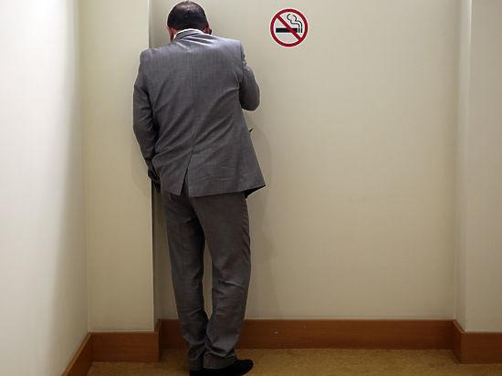 Специалисты выяснили, почему люди резко набирают вес, бросив курить