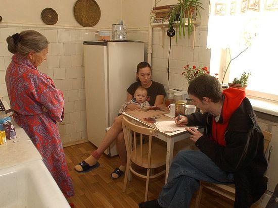 Росстат планирует увеличить зарплату анкетеров, которые станут ходить по квартирам в 2020 году
