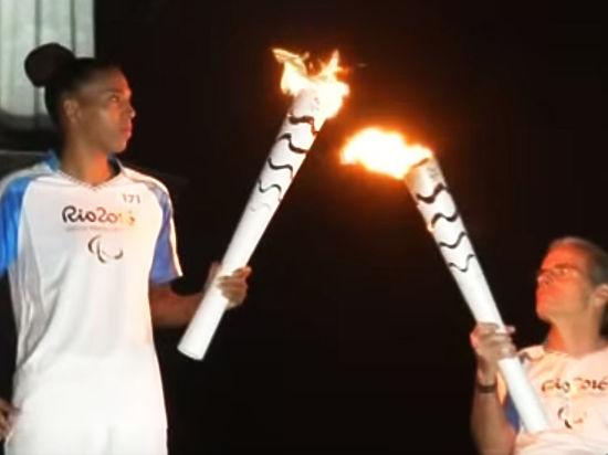 Все-таки на Паралимпиаде: Белоруссия пронесла флаг России на церемонии открытия