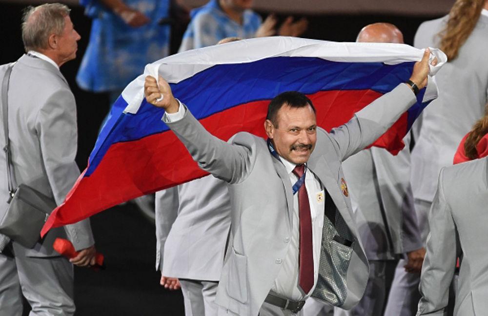 Делегация Белоруссии пронесла российский флаг на открытии Паралимпиады: порыв души