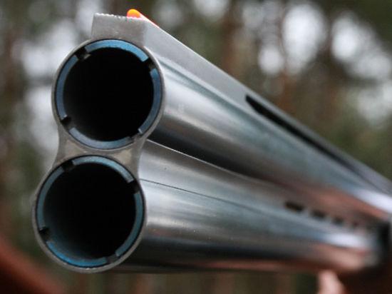 Следователи выясняют, каким образом подросток получил доступ к отцовскому ружью, хранившему в сейфе