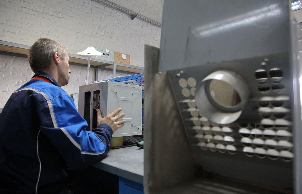 Корреспондент «МК» побывал на предприятии, где изготавливают камеры автоматической фиксации