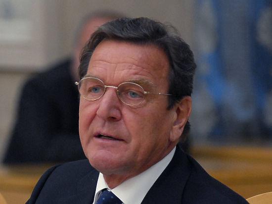 СМИ сообщили о разводе экс-канцлера ФРГ Шредера с женой