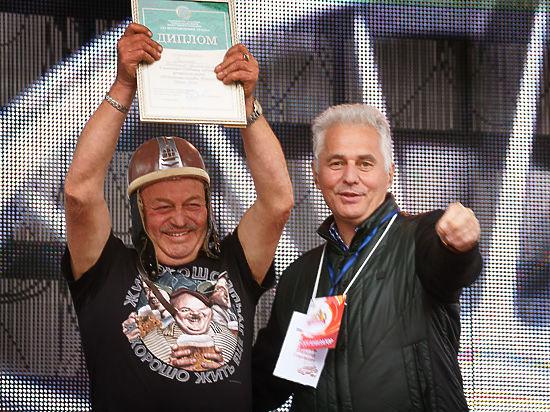 На конкурсе старинных автомобилей в Челябинске зрители выбрали «моргуновку»