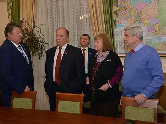 Страшная выборная ночь Зюганова: фракция КПРФ в Думе сократится вдвое