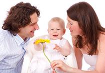 Уровень интеллекта ребенка в первую очередь зависит от генов его матери, в то время как инстинкты — от генов отца