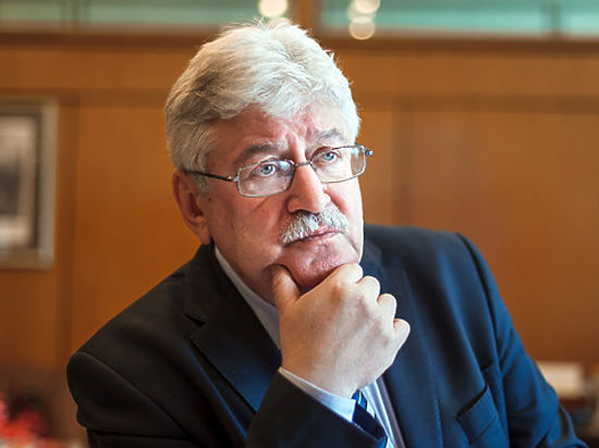 Бывший директор сгоревшей библиотеки ИНИОН Юрий ПИВОВАРОВ:  «Я, научный работник, который просто высказывал свои взгляды, неожиданно стал… политической фигурой»