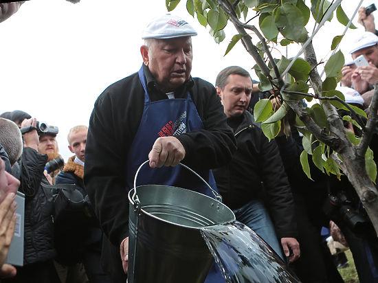 Супруга экс-мэра Елена Батурина устроила мужу сюрпризы