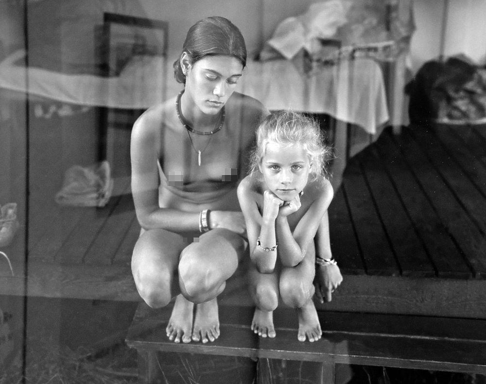 фото голих дітей