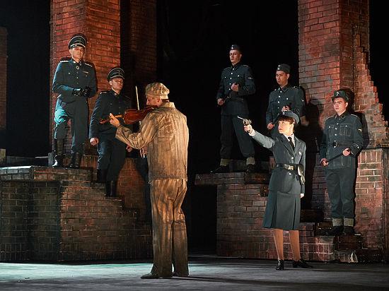 Опера о встрече бывшей узницы Освенцима и ее надзирательницы