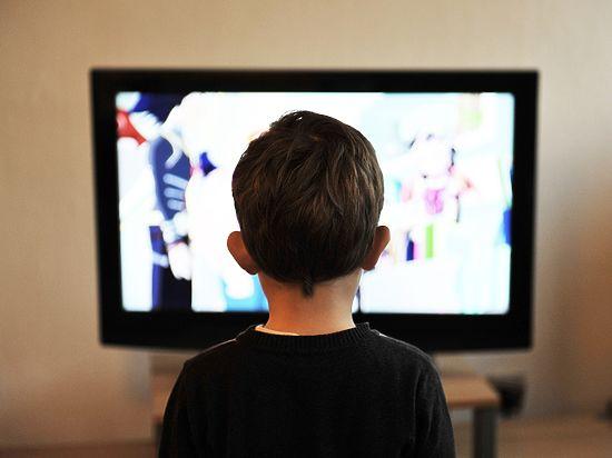 Научно доказано, что телевизор убивает в ребенке творческое начало