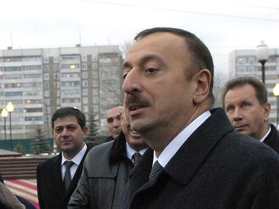 Эксперты: Референдум в Азербайджане бетонирует династию Алиевых