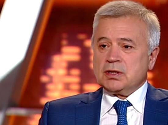 Суперъяхта российского миллиардера Алекперова признана лучшей в мире