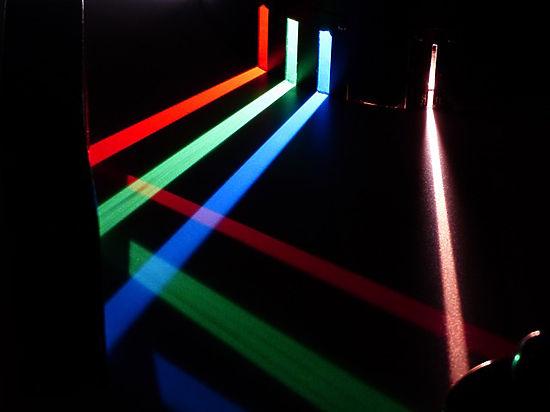 Российские физики придумали, как превратить свет в антиматерию