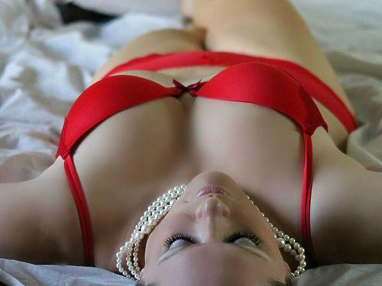 Подлинное удовольствие от интимной близости многие женщины начинают получать после 50 лет