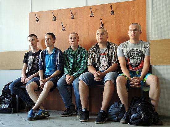 Челябинских призывников заманили в военкомат через предложение «откосить» от армии