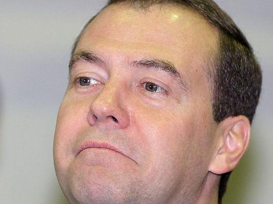 Медведев предложил развивать умственные способности министров детской игрой