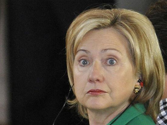 Старые грехи кандидата демократов в президенты США следуют за ней по пятам и больно кусают