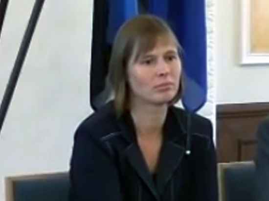 Первая женщина-президент Эстонии обещала общаться на русском