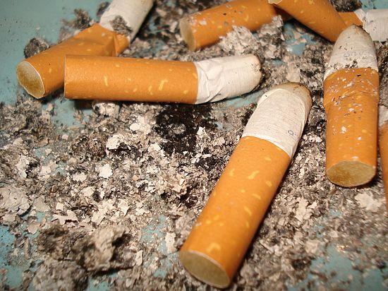 Медики бьют тревоги: в стране растет число курящих женщин