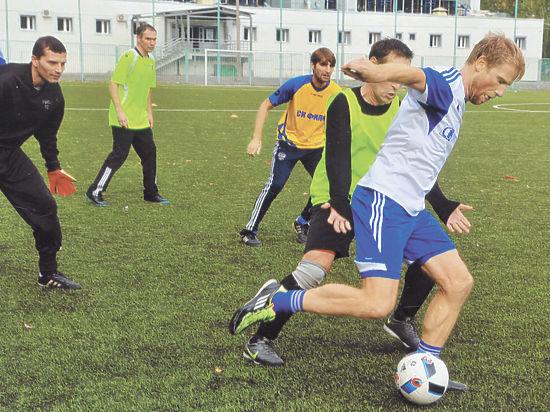 В специальном турнире участвовали Дмитрий Хлестов, Алексей Щиголев и другие звезды