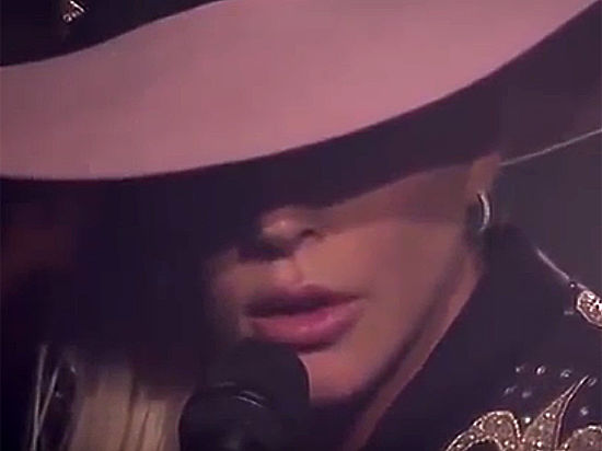 Видеобум: Lady Gaga, Korn, Garbage, Radiohead показали новые клипы