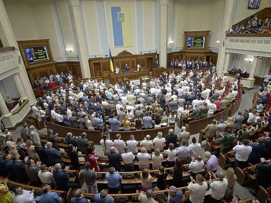 Партия Порошенко отказалась поддерживать визовый режим с Россией ради украинцев-гастарбайтеров