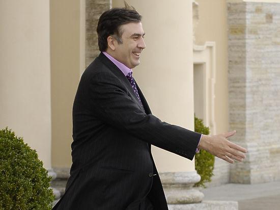 Саакашвили передумал возвращаться в Грузию