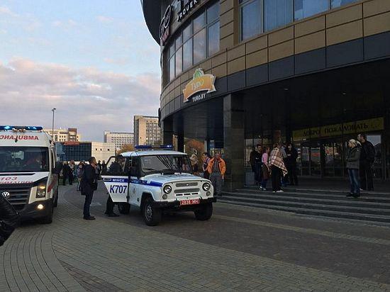"""Мужчина напал на посетителей торгового центра """"Европа"""""""