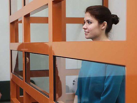 Караулова упрекнула следователя в неточности