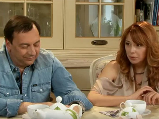 Муж Алены Апиной узнал о своем разводе от «МК»