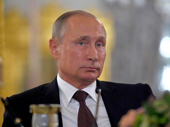 Песков подтвердил отмену визита Путина во Францию: «Выпало из графика»