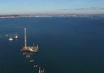 Плавучий подъемный кран затонул при буксировке в Керченском проливе, в районе Ялты