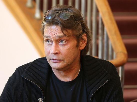 Из коттеджа актера Домогарова вынесли ювелирку и элитные часы