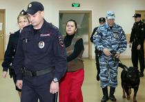 Хорошевский суд Москвы в четверг приступил к разбирательству дела няни Гульчихры Бобокуловой, обвиняемой в жестоком убийстве четырехлетней девочки на северо-западе Москвы в конце февраля 2016 года