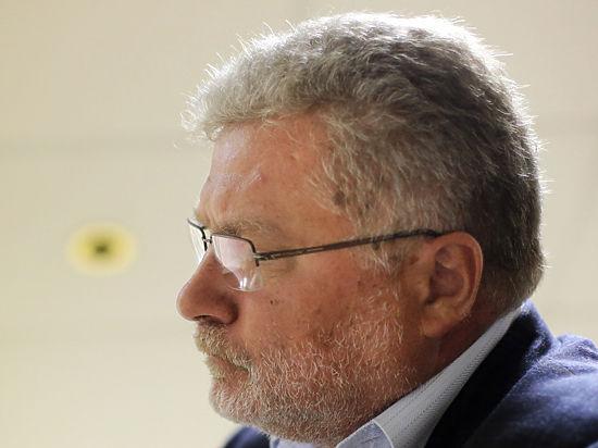 Поляков в посвященном себе томе ЖЗЛ назвал Шаламова «тронувшимся умом»