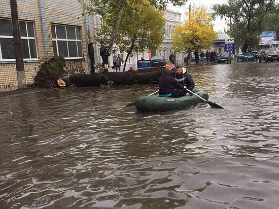 Ураган в Одессе повалил 700 деревьев и убил трех человек