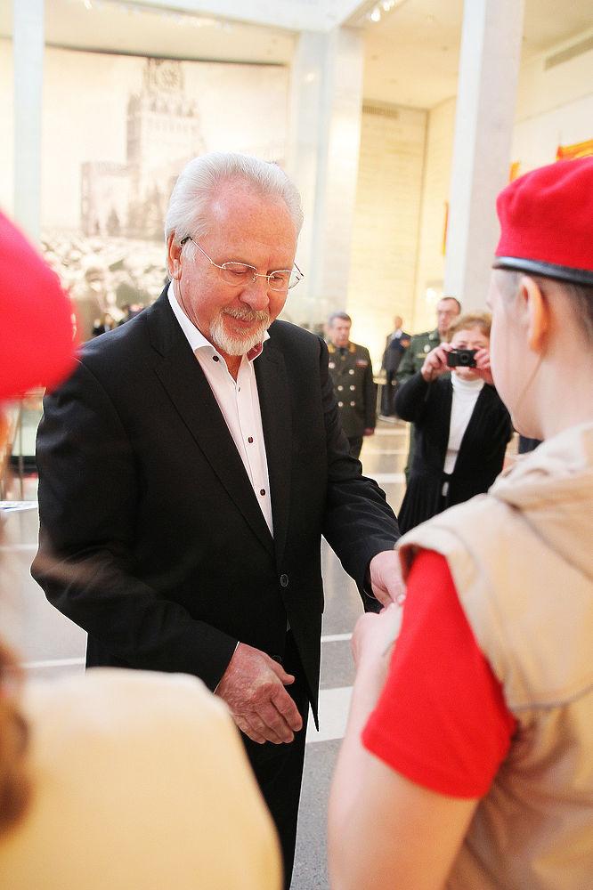 Ученики школы из Тверской области вступили в ряды юнармии