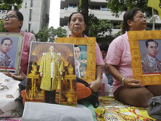 В Таиланде объявлен год траура: как это коснется туристов