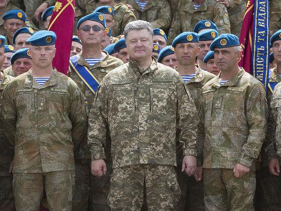 Порошенко обратился к России в видеоролике о мощи украинской армии