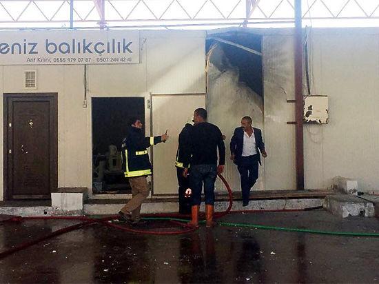 Трассу Анталья-Кемер в Турции обстреляли ракетами: снаряд попал в рыбзавод
