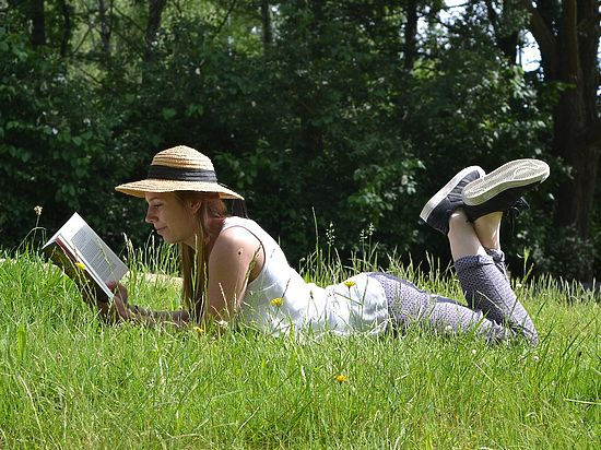 Ранее специалисты обратили внимание, что любовь к книгам продлевает жизнь
