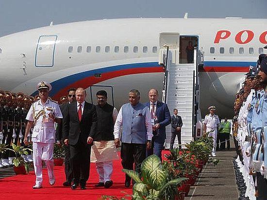 Российскому лидеру пришлось четыре часа провести в Мумбаи