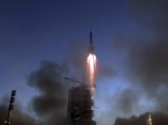 Китай строит свою МКС: в космос запущен очередной «Священный челнок»