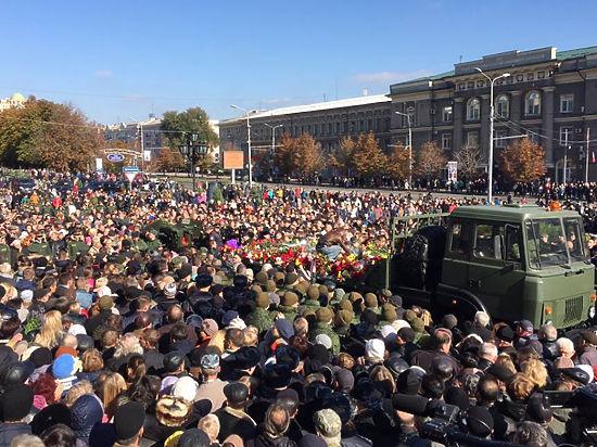 Руководство ДНР обещало не забыть глумление украинцев над похоронами Моторолы