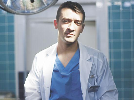 Прославившийся в Сети доктор Кащеев рассказал о взятках врачам