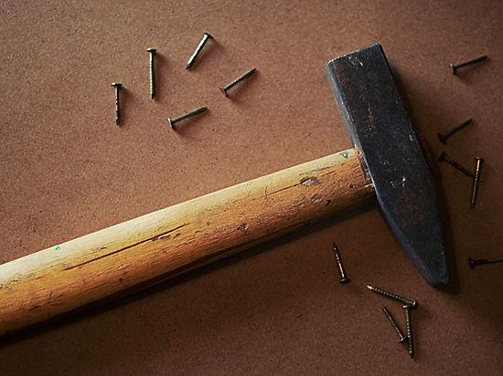 В Зеленограде мужчина разбился насмерть после избиения жены молотком