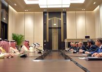 На полях состоявшейся в прошлом месяце Генассамблеи ООН глава МИД РФ Сергей Лавров и наследный принц, министр внутренних дел Саудовской Аравии Мухаммед бен Наиф аль-Сауд обсудили вопросы двусторонних отношений
